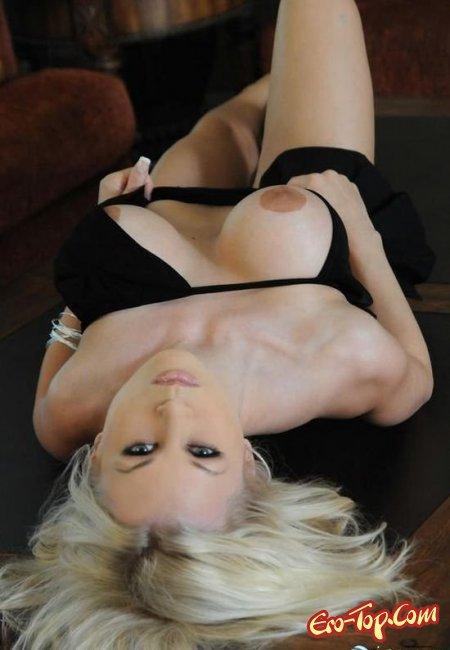 Красивая пися блондинки и большие сиськи. Фото голых блондинок