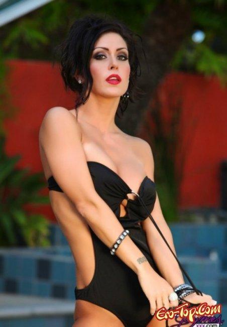 Джессика голая с красивой киской. Эро фото девушек