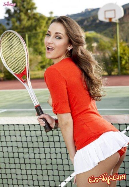 Теннисистка Мария показала свою задницу. Фото голых теннисисток