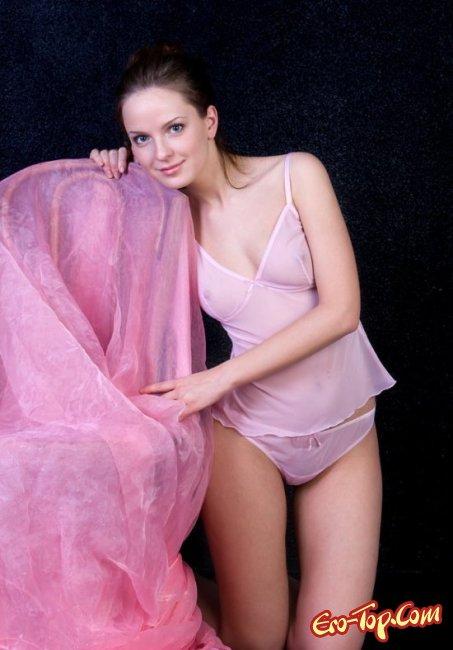 Натуральная грудь молодой девушки. Фото голых сисек